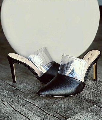Mule bico fino com detalhe transparente - Preto