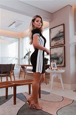Vestido em modal preto com listra branca lateral