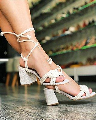 Sandália salto bloco de corda com amarração