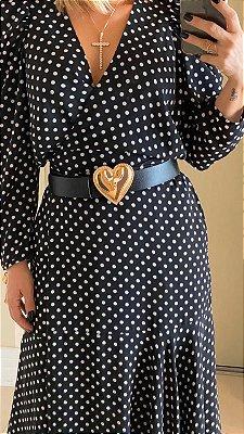 Cinto couro preto com fivela dourada coração