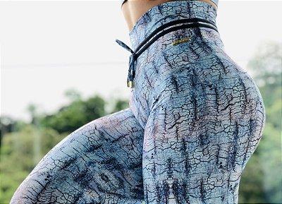 Calça legging fitness levanta bumbum com estampa exclusiva