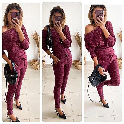 Conjunto confortável Melina em lãzinha com calça e blusa na cor vinho