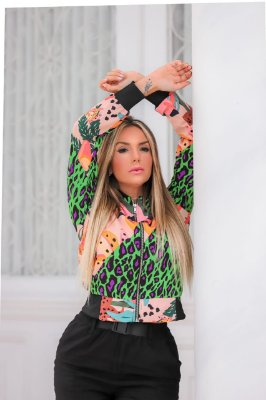 Jaqueta bomber em viscose - green animal