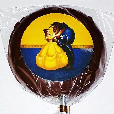 Pirulito BELA E A FERA de chocolate personalizado