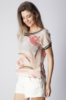 T-SHIRT CASUAL ESTAMPADO - WHITE GARDEN