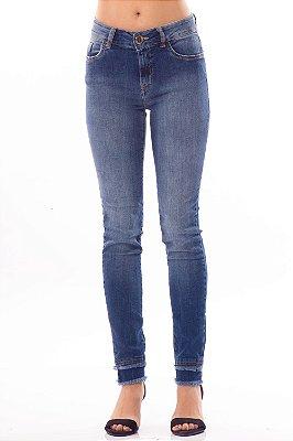 Calça Jeans Bana Bana Midi Skinny com Desfiado