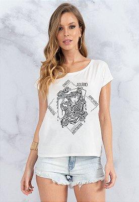 T-Shirt Bana Bana Signo de Aquário Branca com Copo Canudo