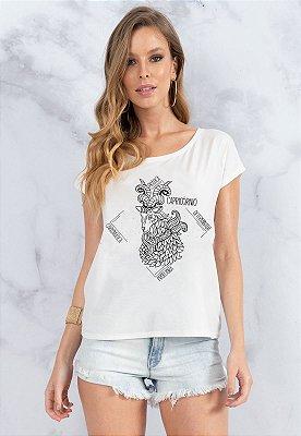T-Shirt Bana Bana Signo de Capricórnio Branca com Copo Canudo