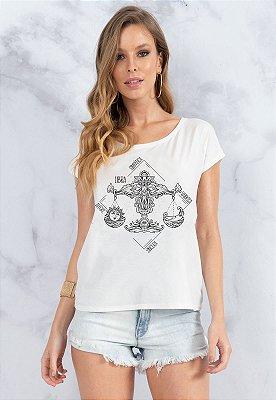 T-Shirt Bana Bana Signo de Libra Branca com Copo Canudo