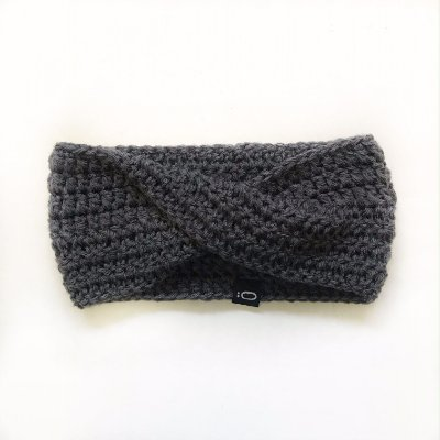 Gola de lã para bebê . cinza claro
