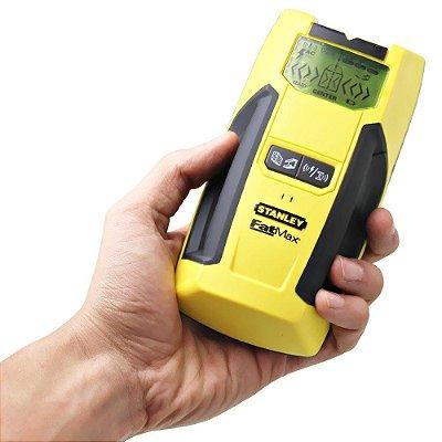 Detector de madeira, metal e fios elétricos, com visor LCD retro iluminado S300 - Stanley