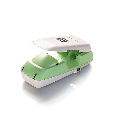 Carregador de Pilhas C3Tech UC-CHG2 Pilhas Comuns Alcalinas e Pilhas Recarregáveis Usb - Verde