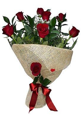 Buquê com 8 Rosas envolto em Juta