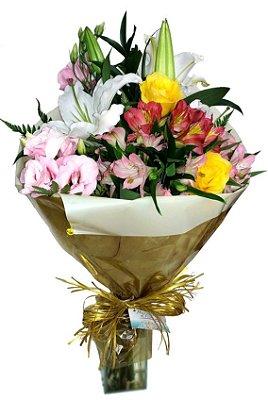 Buquê misto de flores nobres