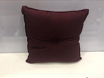Almofada com Botão Vinho 35 cm x 35 cm
