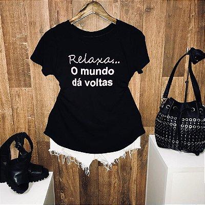 T-shirt Relaxa o Mundo da Voltas