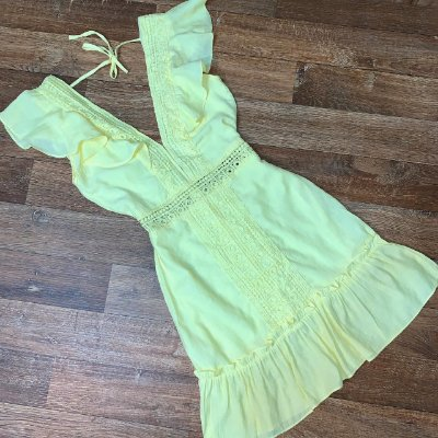 Vestido Decote Guipir Mariah Amarelo Claro