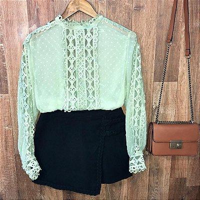 Blusa Fashion com Detalhes em Guipir Ligia Verde Mint