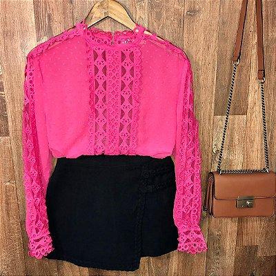 Blusa Fashion com Detalhes em Guipir Ligia Pink