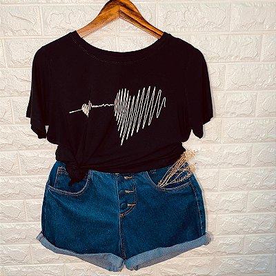 Camiseta Line Heart