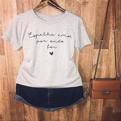 Camiseta Espalhe amor por onde for
