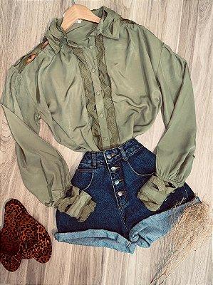 Camisa com Detalhes Vazados Top Sarah Verde