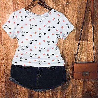T-shirt Fashion Corações Estampa Dupla Azul Claro