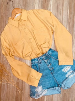 Camisa Lisa com Botões encapados Sarah Amarela