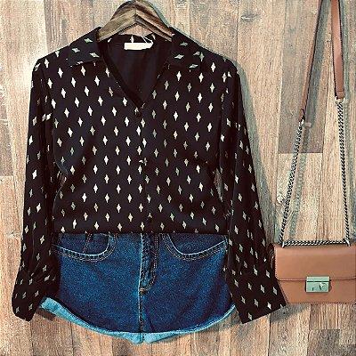 Camisa com Detalhes e Toque de Seda Sarah Black