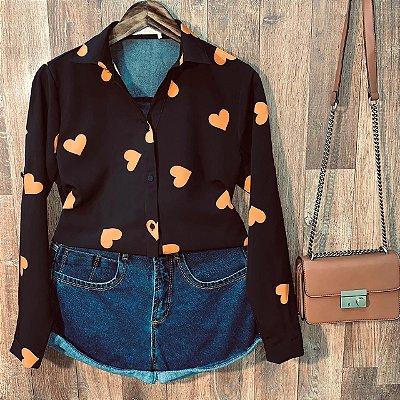 Camisa Heart e Botões Encapados Sarah Black
