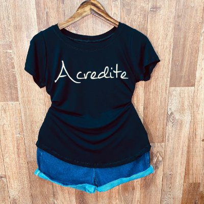 T-shirt Acredite Top