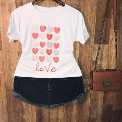 Camiseta Corações Glitter
