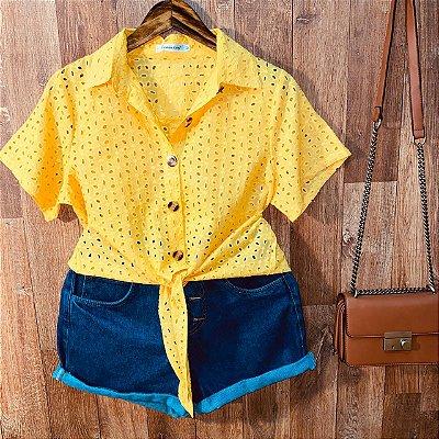 Camisa Laise com Botões de Amarrar Mariah Amarela