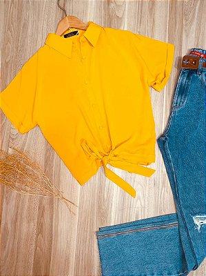 Camisa com Botões Encapados de Amarrar Mariah Amarela