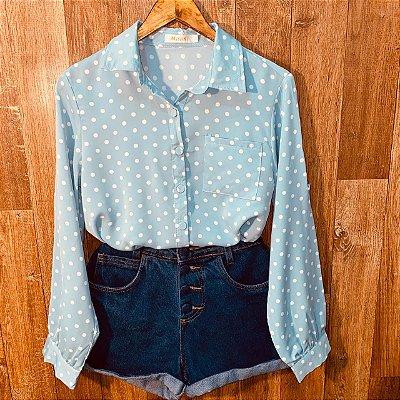 Camisa Manga Longa com Bolso Deborah Poá Azul Claro