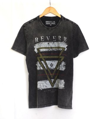 T-Shirt Reverb Masculina Over Black