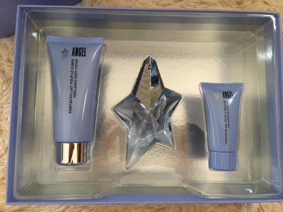Kit Perfume Angel Feminino-Perfume Eau De Parfum 25ML + Body Lotion 50ML + Gel 50ML