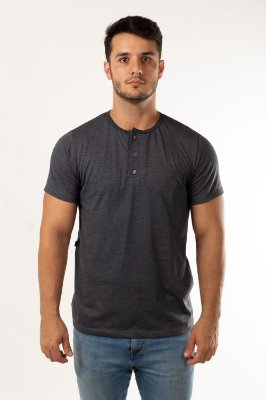 T-shirt botões