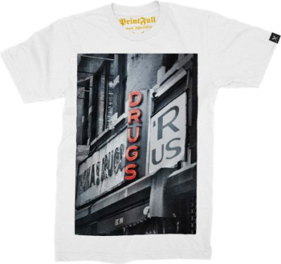 Camiseta Printfull Drugs R Us