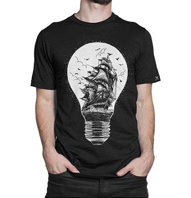 Camiseta Printfull Light Of Journey