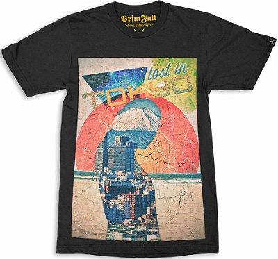 Camiseta Printfull Lost in Tokyo