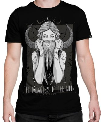 Camiseta Printfull The Daughters Of The Moon