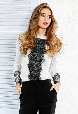 Camisa Feminina Elegante com Rendas