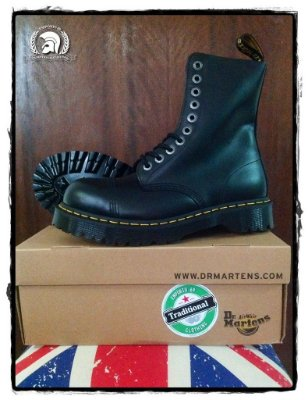 Dr. Martens 8761 Black Smooth