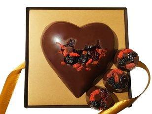 Coração Love.Berries recheado com frutas vermelhas