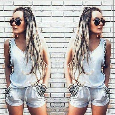 Conjunto de shorts e blusa de tachinha