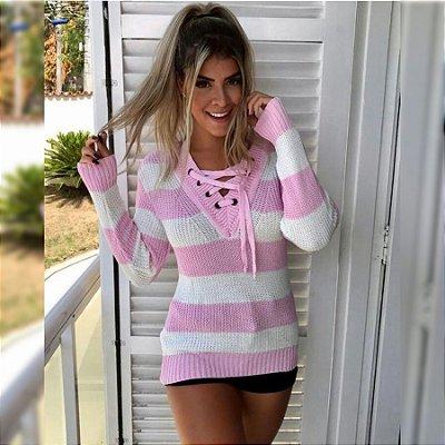 Blusa trico rosa com branco de ilhós 