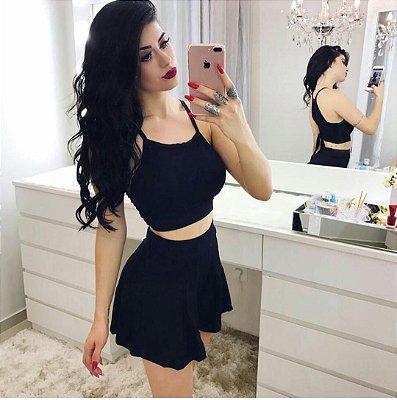 Conjunto curto de shorts e cropped preto