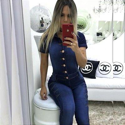 Macacão jeans escuro manga curta