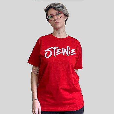 Camiseta Stewie Logo Vermelha